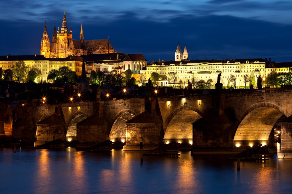 Charles_bridge_Prague_-_tunliweb.no